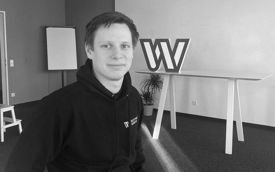 Mitarbeiterinterview mit Johannes – Full Stack Entwickler